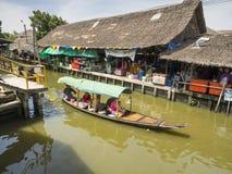 Khlong拉特Mayom泰国浮动市场 免版税图库摄影