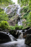Khlong Lan Waterfall en la provincia de Kamphaeng Phet de Tailandia Imagenes de archivo