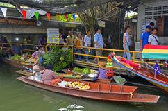 Khlong Lat Mayom floating market in Bangkok Stock Photo