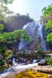 Khlonglan waterval in Nationaal park stock afbeelding