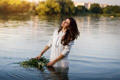 Khmelnitsky Ukraina, Lipiec, - 7, 2012 Piękne dziewczyny w nationa zdjęcie stock