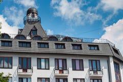 KHMELNITSKY, UKRAINE - 29 JUILLET 2017 : Maison résidentielle dans le c Image stock