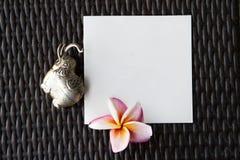 Khmer ασημένιες διαμορφωμένες ελέφαντας κιβώτιο και κάρτα αναμνηστικών Ο ελέφαντας αύξησε τον κορμό, σύμβολο της καλής τύχης Στοκ εικόνα με δικαίωμα ελεύθερης χρήσης