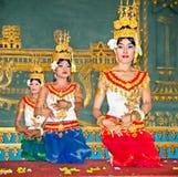Khmer klasyczni tancerze w Siem Przeprowadzają żniwa, Kambodża Zdjęcie Royalty Free