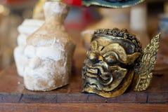 Khon maskering för thailändsk traditionell arrangerad kapacitet Royaltyfria Bilder