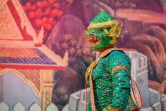 Khon - thailändsk traditionell maskeringsdans Arkivfoton