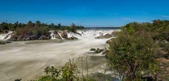 Khone Phapheng cae en el r?o Mekong en Laos meridional fotos de archivo libres de regalías