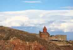 Армения заволакивает скит khor над virap стоковые фотографии rf