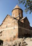 Khor Virap den djupa fängelsehålan är en lokaliserad armenisk kloster Royaltyfria Foton