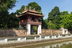 Khue Van Cac o Stelae de doctores en el templo de la literatura o de Van Mieu El templo recibe a la academia imperial, Vietnam pr Foto de archivo libre de regalías