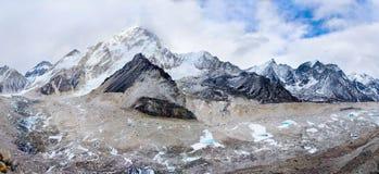 Khumbu-Gletscher im Himalaja, Nepal Lizenzfreies Stockfoto