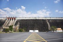 Khun Dan Prakan Chon Dam wurde früher Reservoir Khlong Tha Dan am Verbot Tha-Dan in Nakhon Nayok, Thailand genannt stockfotografie