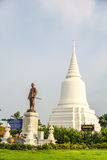 Khun Khang Lhek monument på Wat Wang Temple, Phatthalung, Thaila Arkivfoto