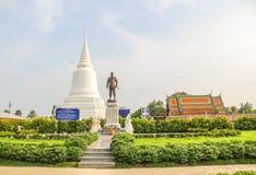 Khun Khang Lhek monument på Wat Wang Temple, Phatthalung, Thaila Royaltyfri Foto