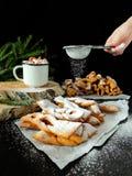 Khvorost kakor som täckas med sockerpulver Royaltyfria Foton