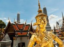 Ki-Nara en el palacio magnífico, Bangkok, Tailandia Imagen de archivo