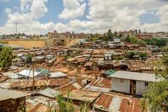 Kibera slumkvarter i Nairobi, Kenya Arkivfoto