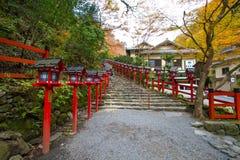 Kibune,在秋天期间的京都 库存图片
