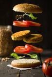 Kichererbsen-Burger Deconstructured-strengen Vegetariers stockfoto