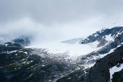 Kick i kullarna av Alaska royaltyfri bild