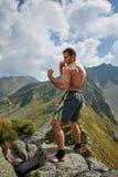 Kickboxer или muay тайская тренировка бойца на горе Стоковые Фото