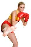 Kickboxing Frau Lizenzfreie Stockbilder