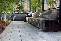 Kicken fodrar stad New York Den högstämda gångaren parkerar Royaltyfria Bilder