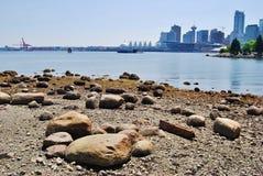 Kicklöneförhöjningbyggnader i i stadens centrum Vancouver, Kanada arkivfoton