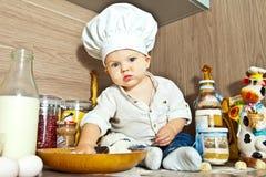 Малыш поварёнок Stock Photography