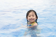 Kid swimming Royalty Free Stock Photos