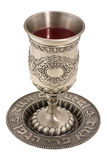 Kiddish Cup mit Wein stockfotografie