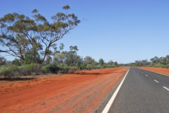 Kidman väg från Bourke till Cobar i Australien Royaltyfria Bilder