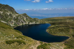 Kidney湖,七个Rila湖, Rila山 免版税图库摄影