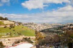 Kidron dolina w Jerozolima z śniegiem i niebieskim niebem Obraz Royalty Free