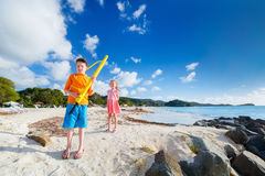 Kids at beach Royalty Free Stock Photos