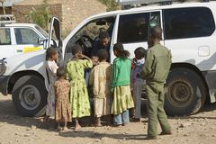 Kids beg for money from a car driver in Adwa, Ethiopia Stock Photos