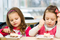 Kids eating Royalty Free Stock Images
