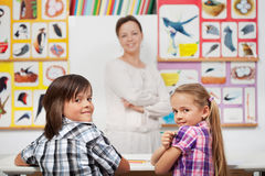 Kids in elementary science class Royalty Free Stock Photos
