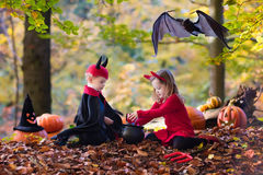 Kids on Halloween trick or treat Royalty Free Stock Photography