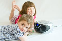 Kids listening Royalty Free Stock Image