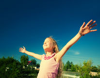 Kids with outstretched arms Royalty Free Stock Images