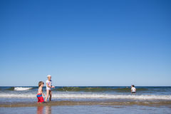 Kids playing in the sea Royalty Free Stock Photography