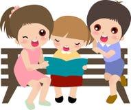 Kids reading Royalty Free Stock Photos