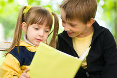 Kids reading royalty free stock images