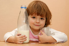 Kids should drink milk Royalty Free Stock Photo