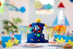 Free Kids Space Theme Birthday Party With Cake Royalty Free Stock Photo - 161172865
