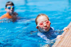 Kids in swimming pool Royalty Free Stock Photography