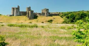 Kidwelly Ruineschloß, Pembrokeshire, Wales Lizenzfreie Stockbilder