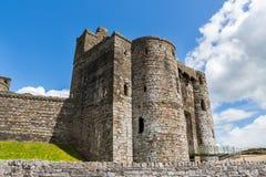Kidwelly slott Wales Royaltyfria Bilder