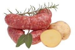 Kiełbasa - korzenny surowy wieprzowiny mięso obraz stock